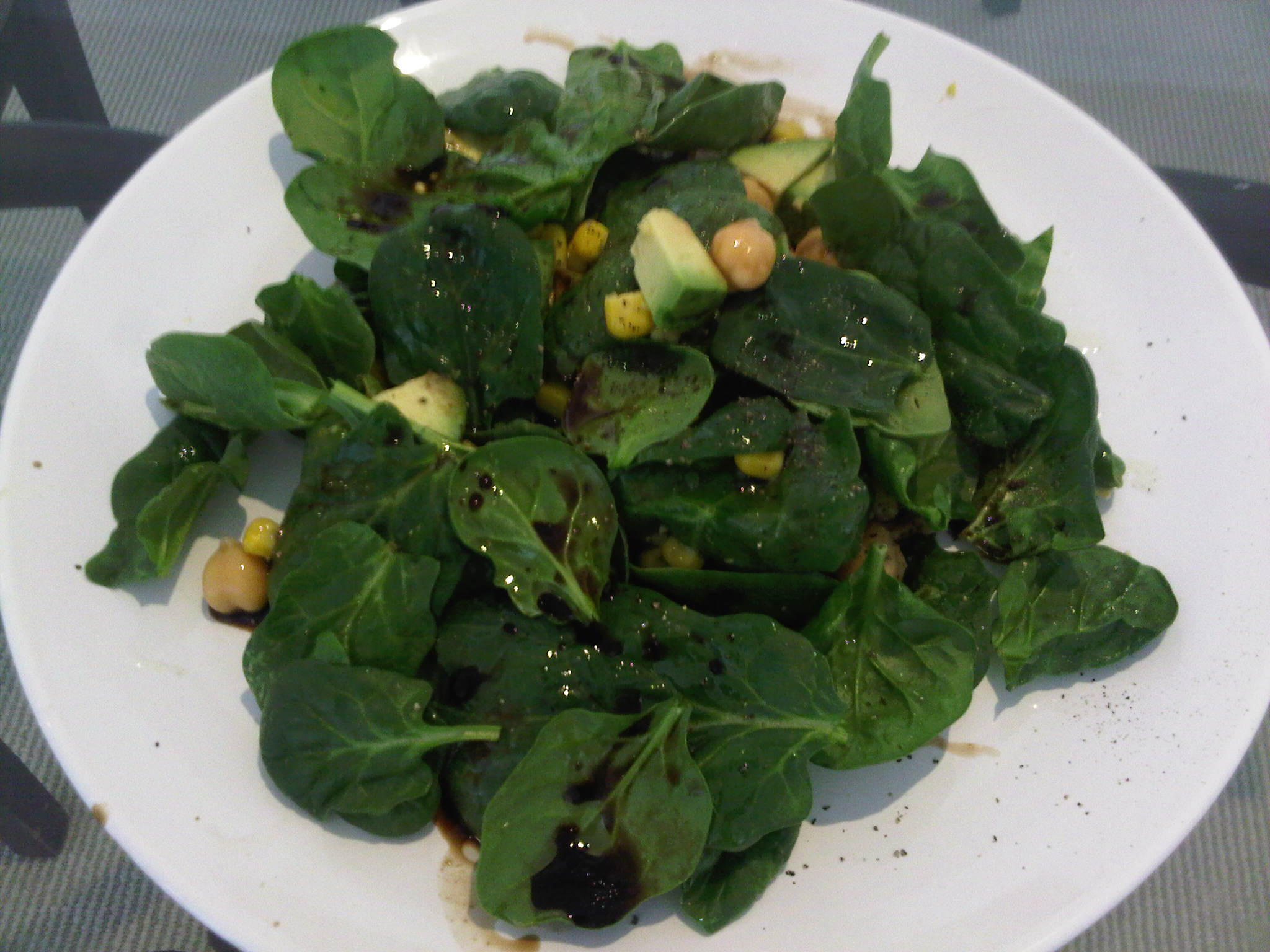 Grilled Chicken And Spinach Salad With Balsamic Vinaigrette Recipes ...
