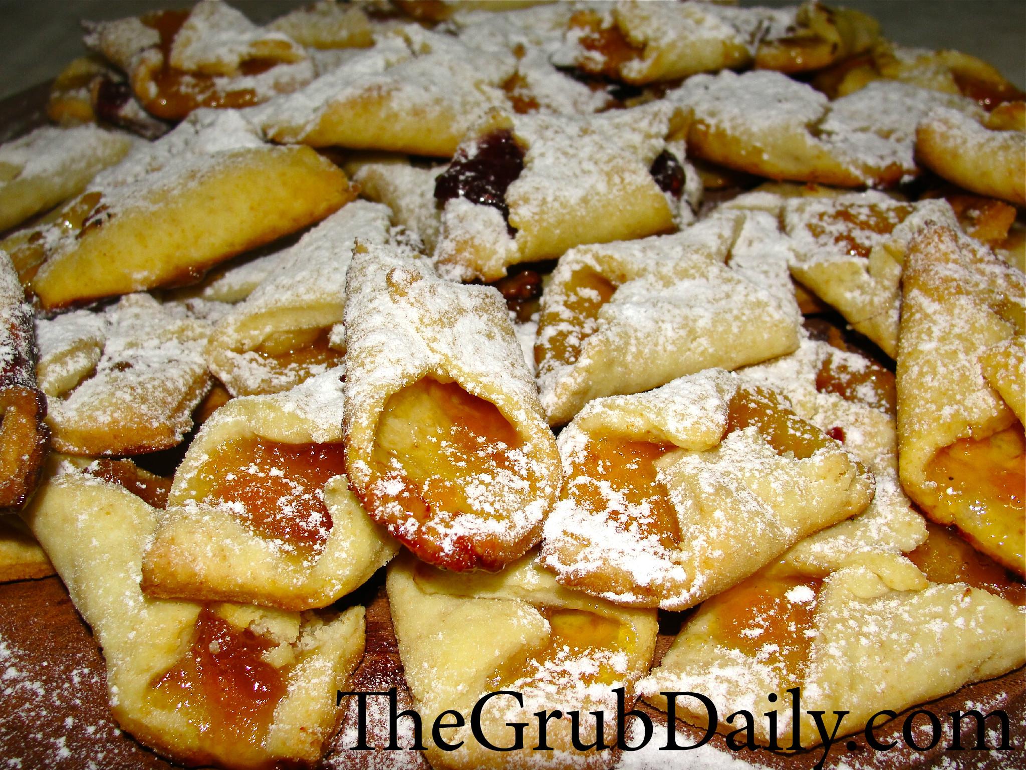 Hungarian Cream Cheese Cookies – Kiffles } | TheGrubDaily